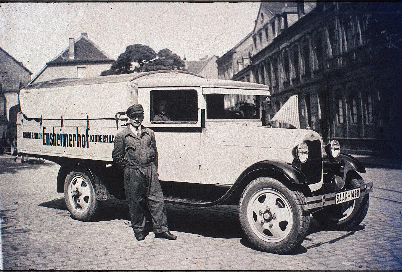 Lieferwagen Ensheimer Hof