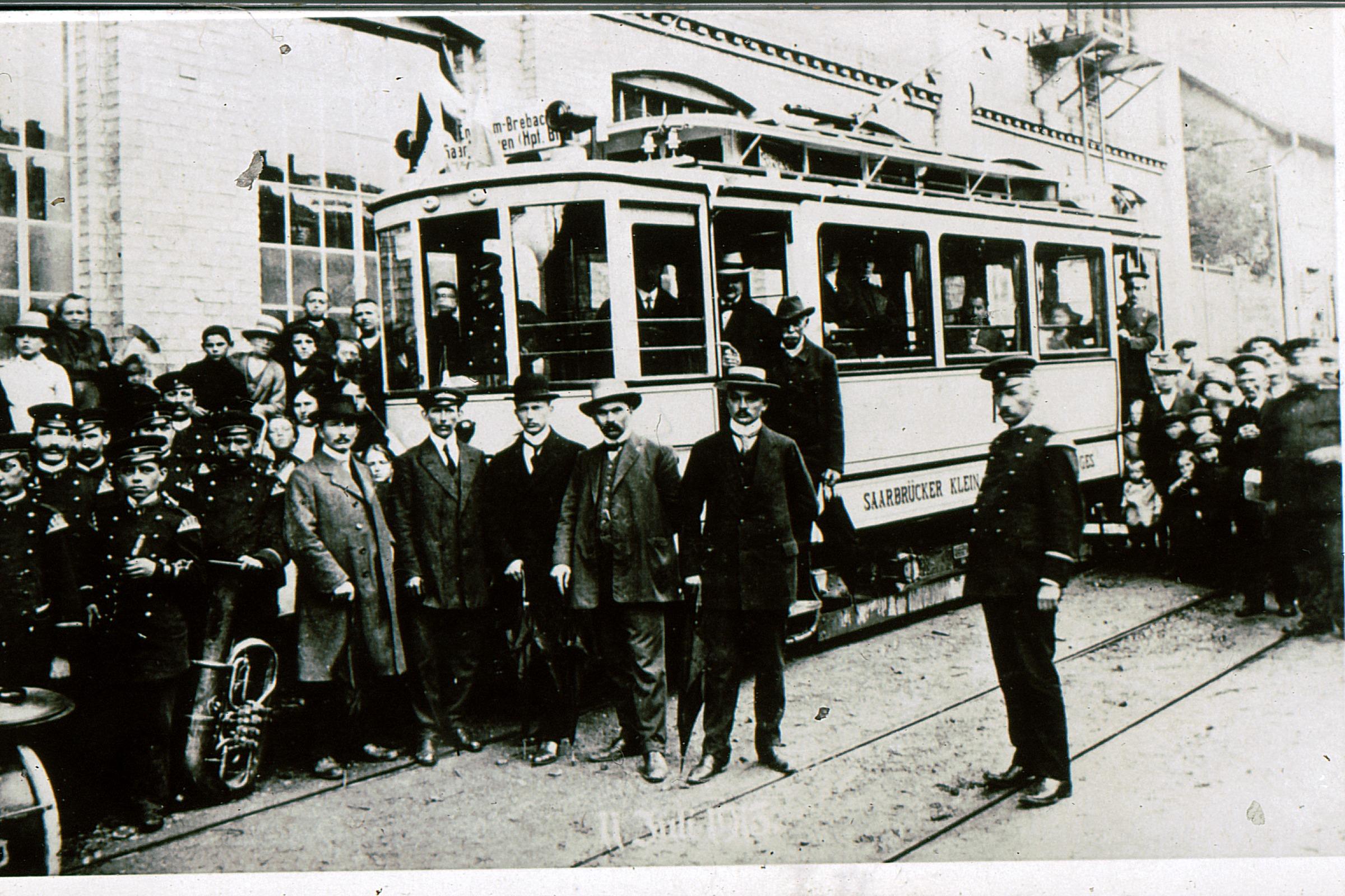 Einweihung der Straßenbahn 1913