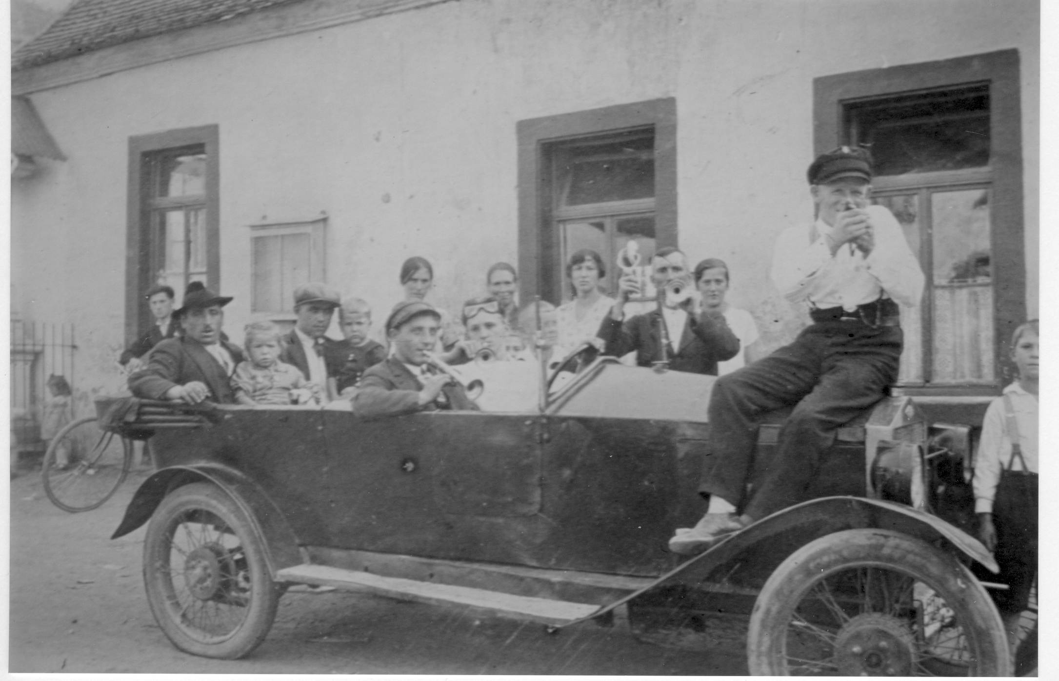 Feier mit Auto