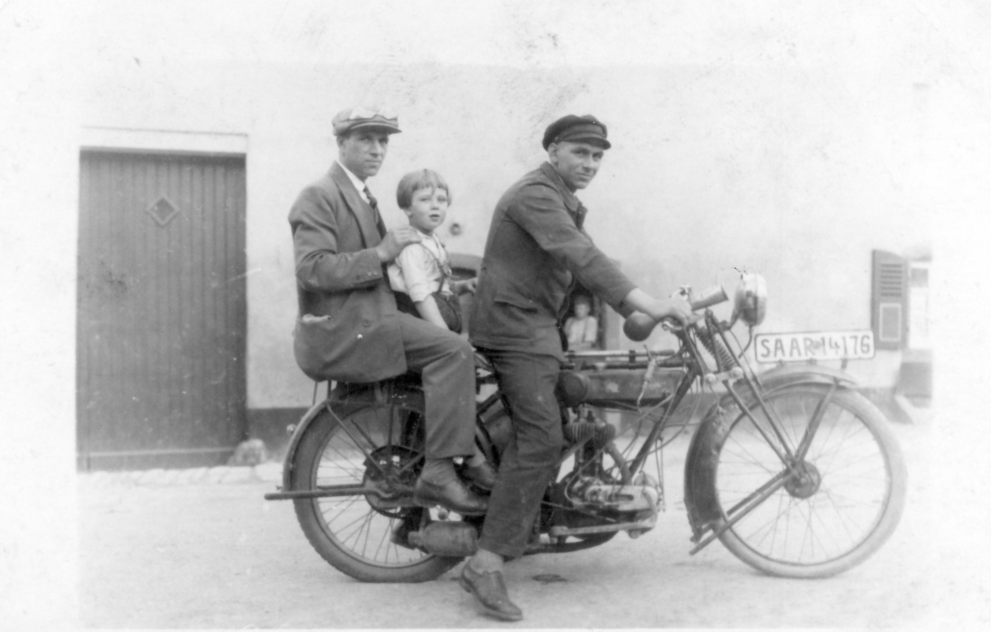 Motorrad Völkerbund-Zeit